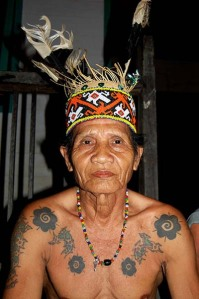 https://abid03.files.wordpress.com/2011/05/tato-dayak.jpg?w=199